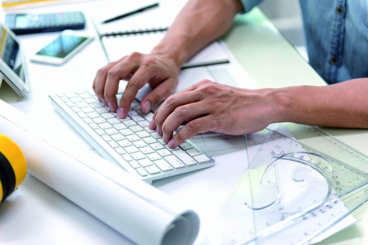 teclado tecnología empleado BIM