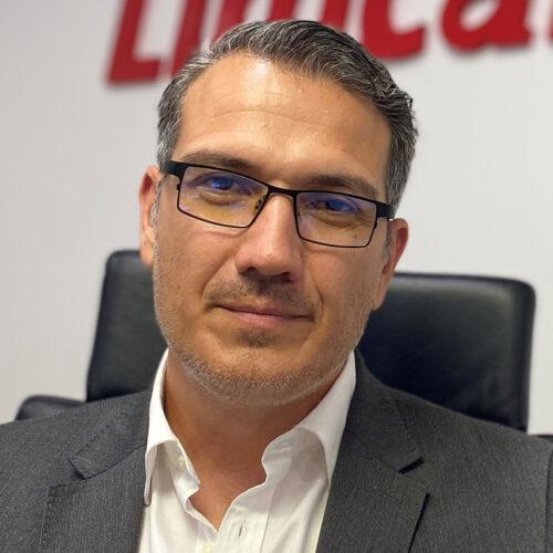 Juan Cerezo director comercial nacional en LIMCAMAR