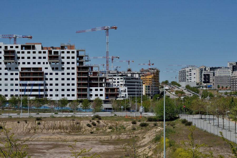Grúas en Madrid sector construcción